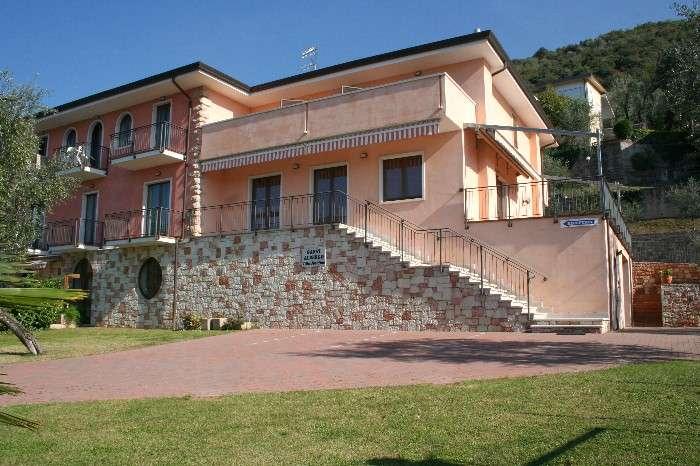Das Bed and Breakfast Villa Josefine am Gardasee in Brenzone
