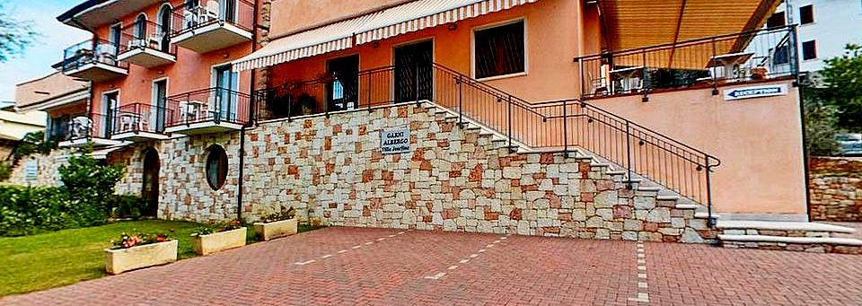 Fassade der Bed and Breakfast Gardasee Villa Josefine