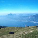 Blick vom Gardasee aus der Monte Baldo